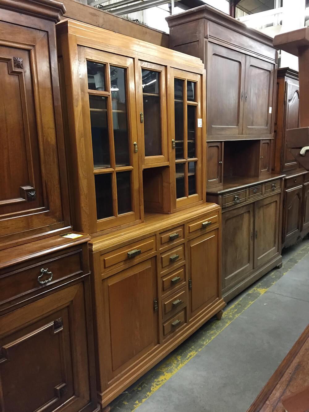 Restauration meuble bois : peinture et vernis