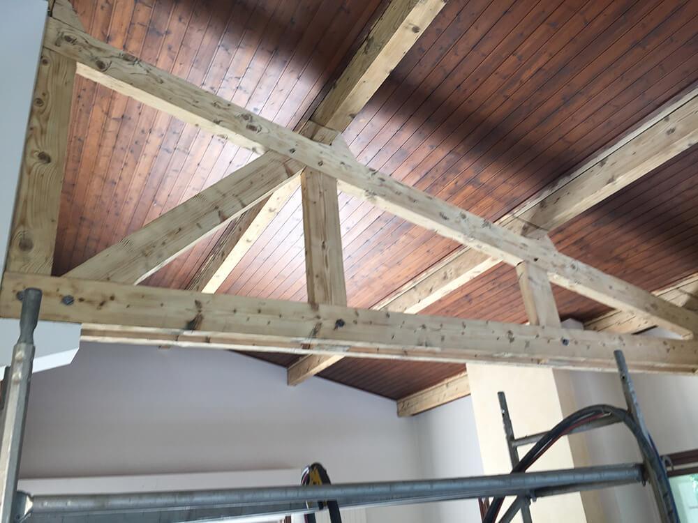 Rénovation intérieur d'un plafond lambris à Grenoble (Isère)
