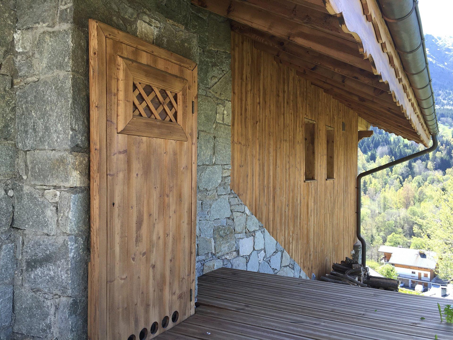 Décapage bois et traitement de la pierre d'une maison à Annecy (Savoie 73)
